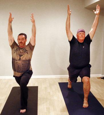 O Yoga e os benefícios para homens em quimioterapia 1